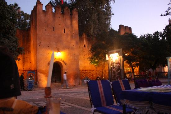 Hostel Souika: square in Chefchaouen with Kasbah