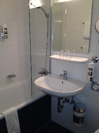 Hotel Mirabell : Bathroom
