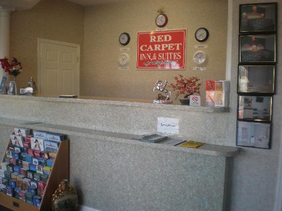 Red Carpet Inn & Suites Smithville: Office