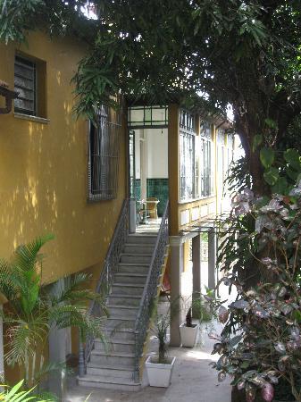Casa Amarelo by Robert le Heros: la maison