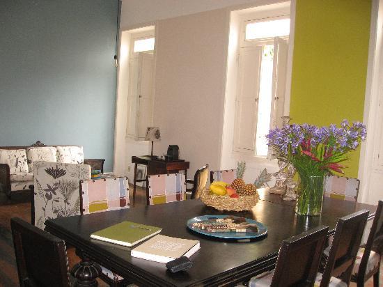 Casa Amarelo by Robert le Heros: le salon