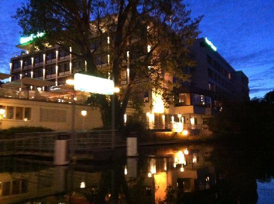 insel-Hotel: Traumhaft im Neckar gelegen!