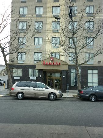 Ramada By Wyndham Jamaica Queens Hotel Entrance
