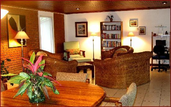 Casa Laurin B&B: Comfort & Coziness