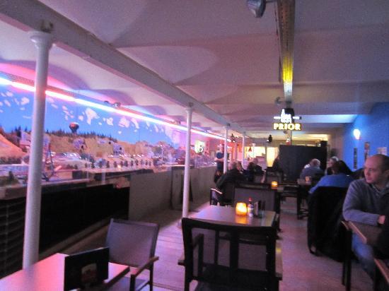 Rail City : The bar with the city