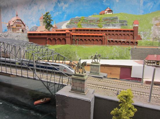 Rail City : day time