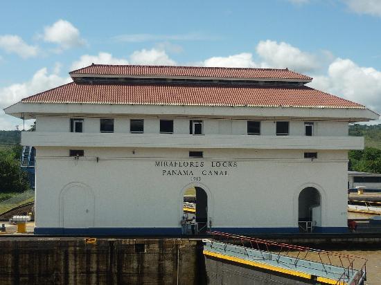 พิพิธภัณฑ์คลองเชื่อมมหาสมุทรปานามา: Esclusas de Miraflore en el Oceano Pacifico