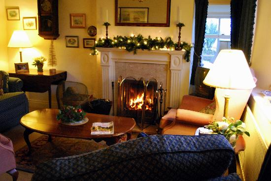 Mount Pleasant Farm B&B: Beautiful Lounge, just like the rest of the place!