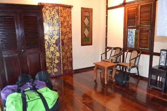 Lao Spirit Resort : burmese doors