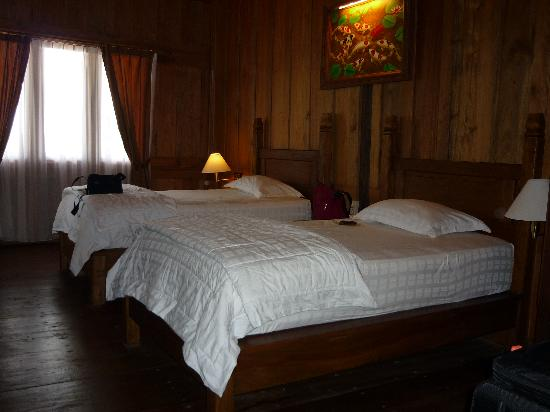 Patuno Resort Wakatobi: Comfortable deluxe room