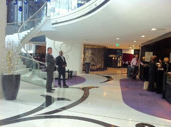 W Doha Hotel & Residences: check in area