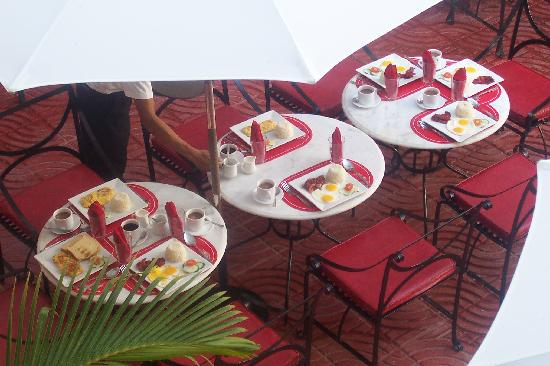 Marco Vincent Dive Resort : breakfast
