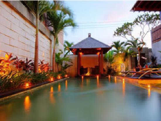 Grania Bali Villas: Pavilion in Villa 2