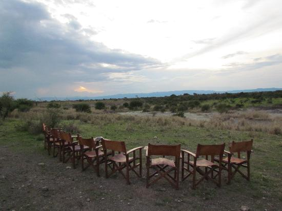 Manyara Ranch Conservancy: Sunset drinks in the bush