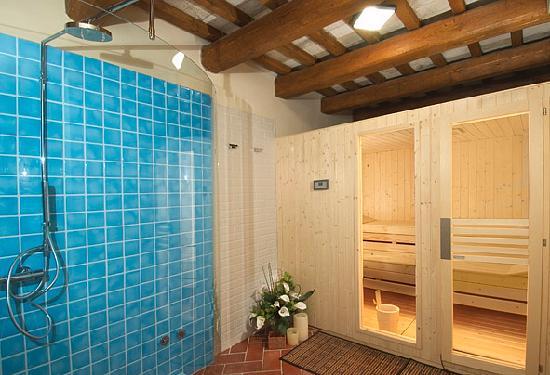 Il relais montefiore al rivellino b b montefiore conca italia prezzi - Sauna le relax dijon ...