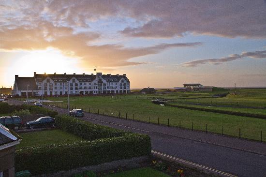 Linksview Guest House Carnoustie: Morningview from the room
