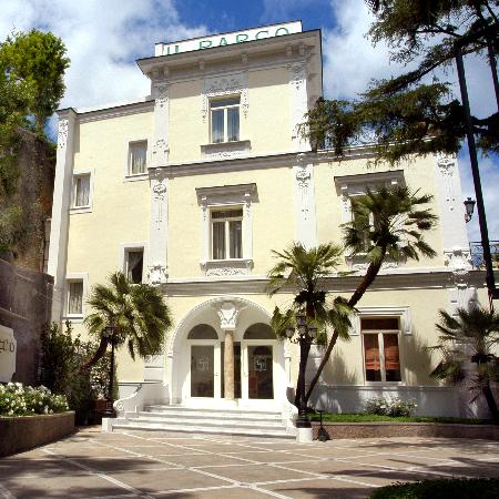 Hotel Excelsior Parco: Outside view 'Ancient Excelsior Villa'