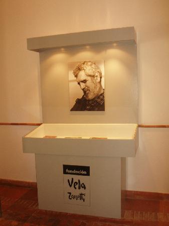 Fundacion Vela Zanetti: HALL DEL MUSEO
