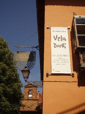 Fundacion Vela Zanetti: FACHADA