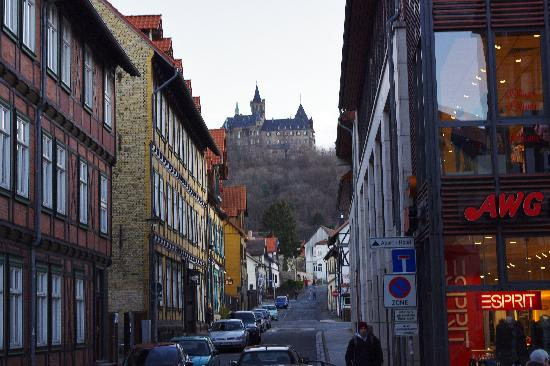 Apart Hotel Wernigerode: Hotel at right, castle in background