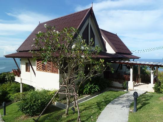 Baan KanTiang See: Yellow Villa