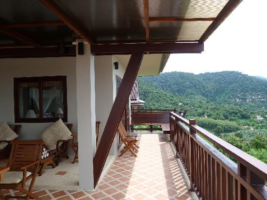 Baan KanTiang See Villa Resort (2 bedroom villas): terrace
