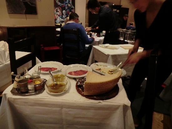 Don Camillo: Restaurant / Speisen
