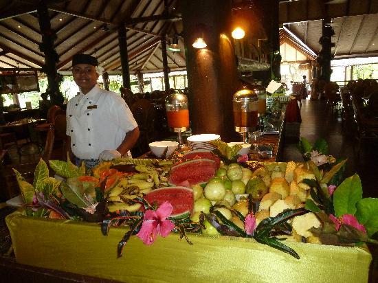 Outrigger Fiji Beach Resort: Breakfast