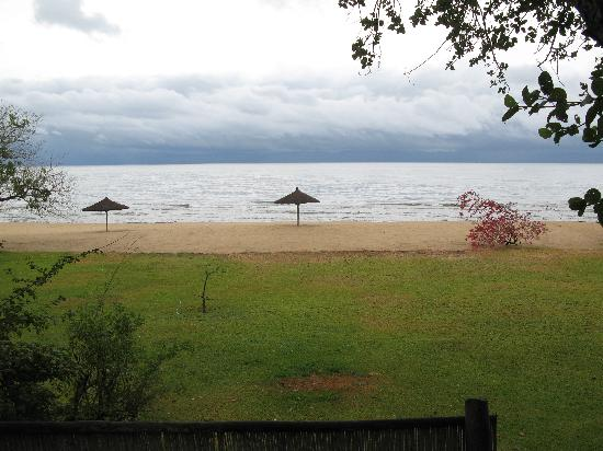 Ngala Beach Lodge: Great viw on a dull day
