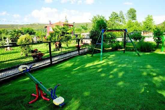 Hotel Casa Reboiro: Parque infantil