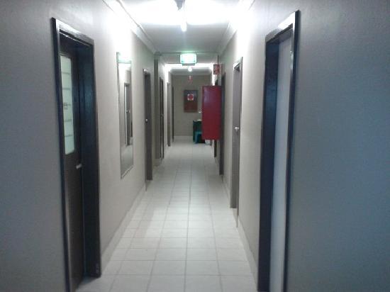 Wiley Park Hotel: hallway
