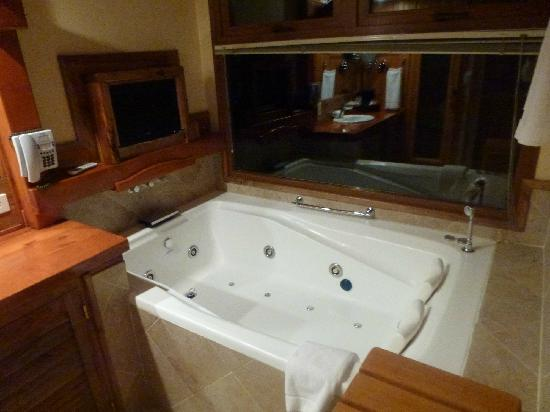Charming Luxury Lodge & Private Spa: HIDROMASAJA