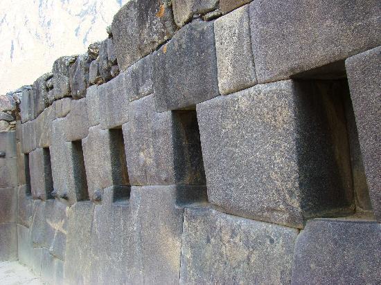 archaeological park ollantaytambo muros de piedra