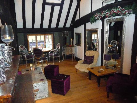 The Loft House Wine Bar & Restaurant: Bar lounge