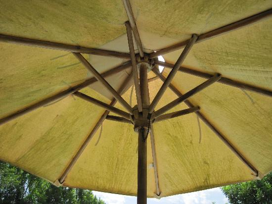 Bel Air Plantation Resort: SINGLE UMBRELLA