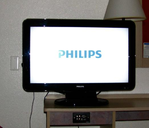 Motel 6 Flagstaff West-Woodland Village: Nice large flat screen with two HBO channels.