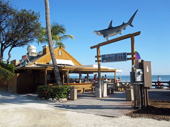 Tiki Bar At Holiday Isle: Front View of Bar