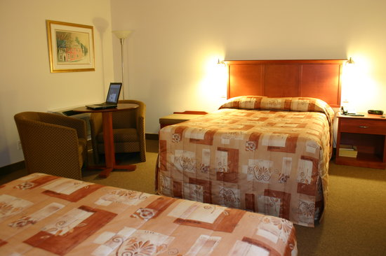 Auberge du Littoral: Comfortable room