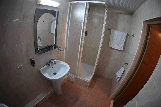 Hotel Sport : Bathroom