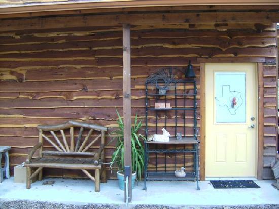 Riverwood Retreat & Tin Can Tourist Court: The Casita del Colorado studio type lodging for 2