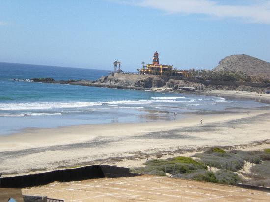 El Pescadero, México: View down the beach