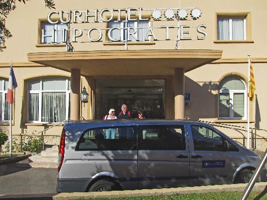 Hipocrates Curhotel: Leaving for walk on Costa Brava