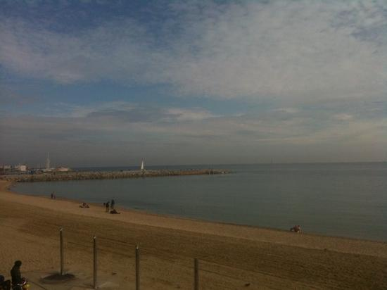 Equity Point Sea - Hostel Barcelona: back door step