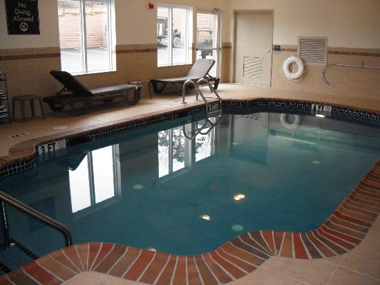 Sleep Inn & Suites: Indoor Heated Pool Open Daily from 6am to 10pm