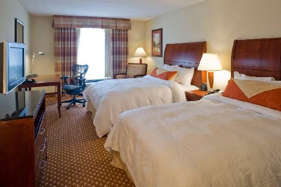 Hilton Garden Inn Savannah Midtown: Standard Room With Two Queen Beds
