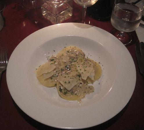 CoGoni's Ristorante Italiano: mushroom ravioli