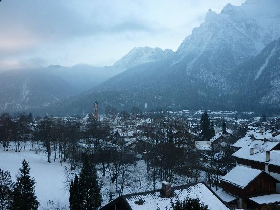 Landhaus Sonnenbichl: The early morning view from our balcony