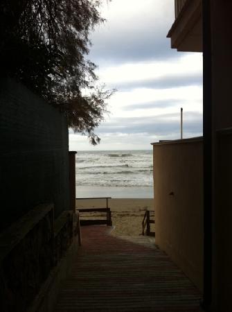 Villa Lo Scoglietto: Accesso alla spiaggia