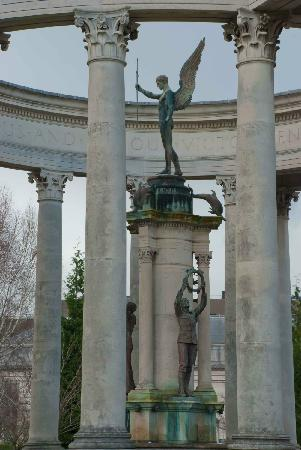 Cathays Park: The amazing centrepiece