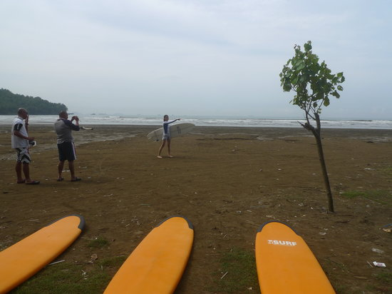 Padang, Indonesia: laying out the boards
